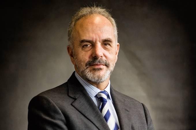 Mauro Aguiar, diretor do colégio Bandeirantes