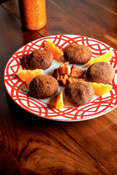 Bolinho de feijoada: receita celebrada pela chef Kátia Barbosa