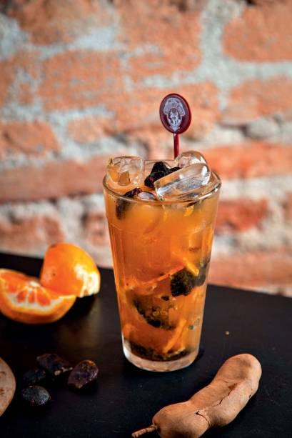 A caipirinha de tangerina com maracujá e tamarindo