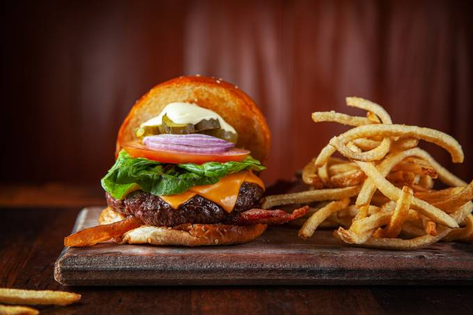 Achados ELO – Holy Burger