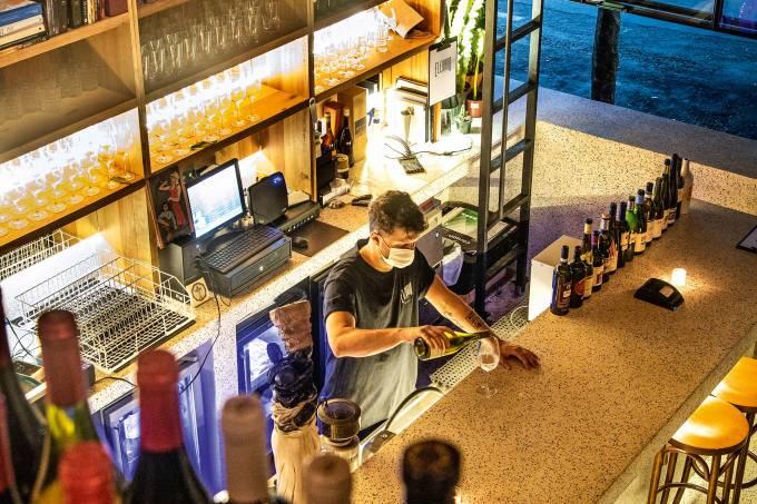 Comer & Beber 2020/2021 – Bares – Bar de Vinhos – Elevado Bar