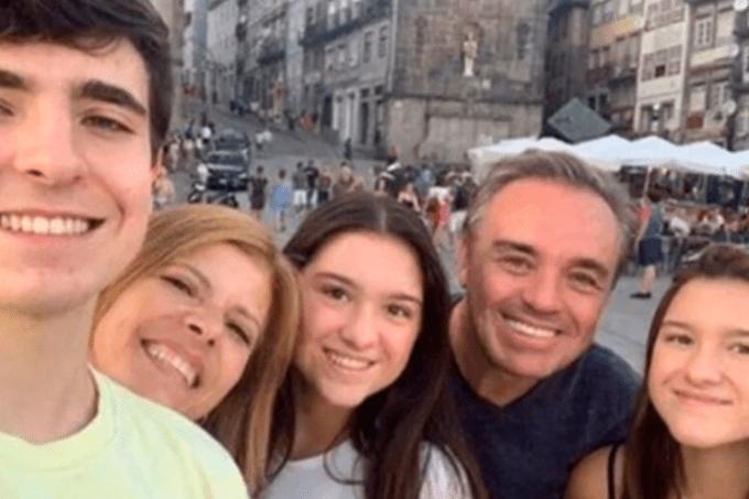 Gugu Liberato e a família