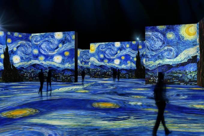 Um dos ambientes da exposição sobre Van Gogh: projeções por todos os lados