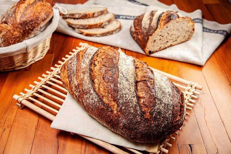 Pão rústico: com farinha de trigo integral e centeio