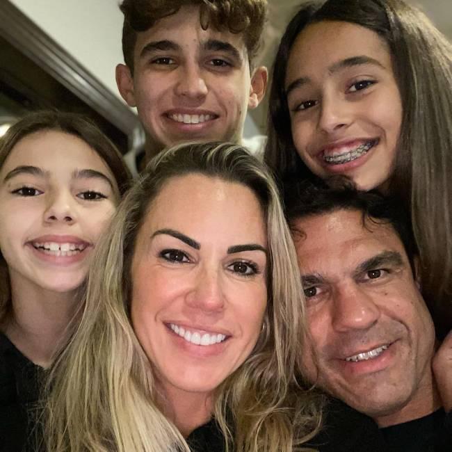Joana e a família: vida de empresária nos Estados Unidos