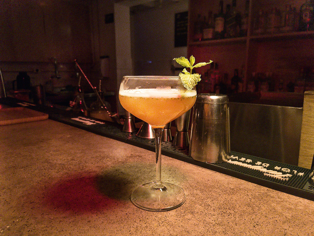 Old Cuban: bebida leva espumante e hortelã