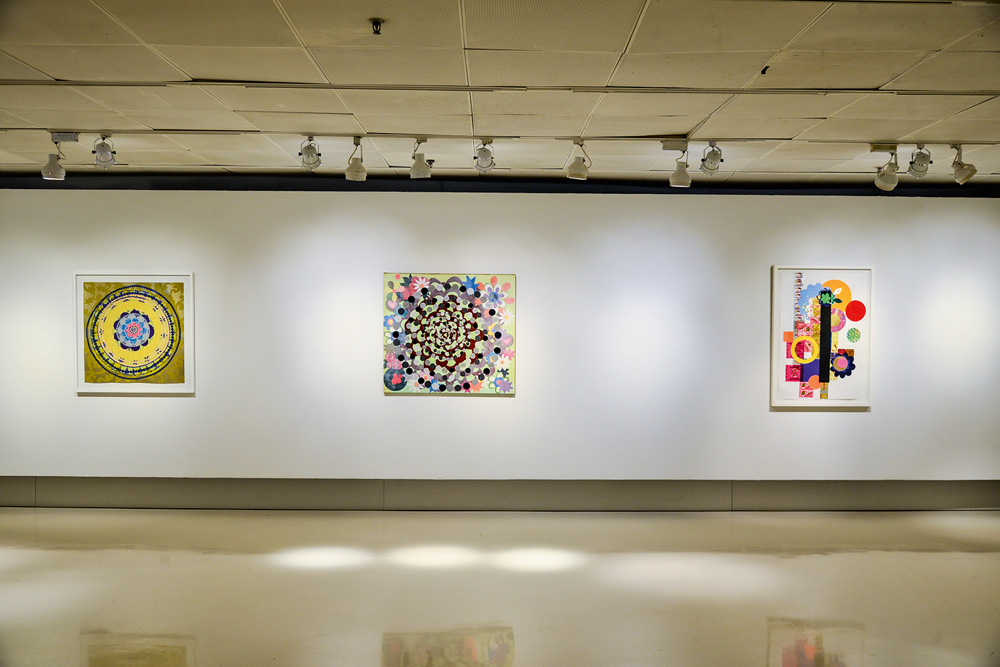 Um dos ambientes da exposição no Itaú Cultural: gravuras e colagens distribuídas em três pisos