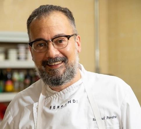 Chef Raphael Pereira do restaurante Tenório no Teatro da Rotina