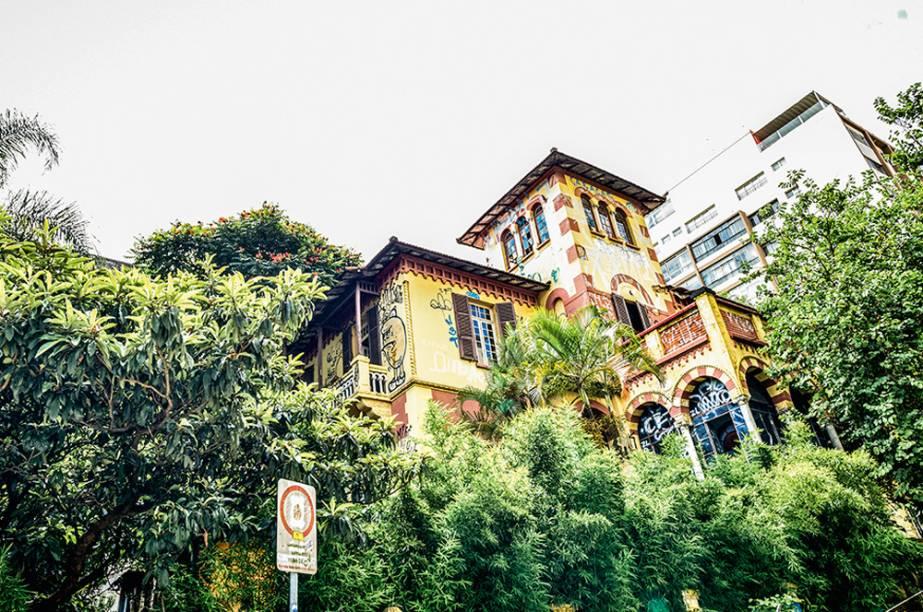 Casa à venda na Liberdade e Mansão Florentina, na Rua da Consolação: anos para vender um imóvel