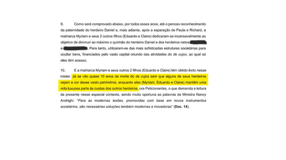 Trechos de documento quanto Bruna ainda usava o antigo nome