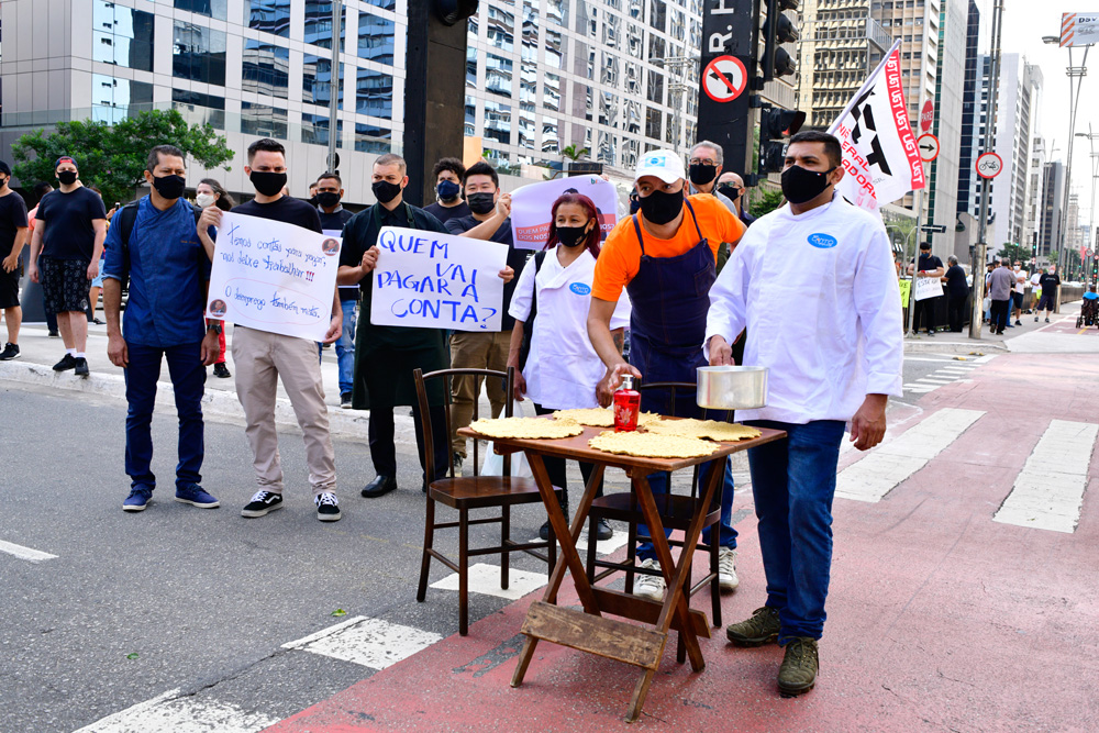 Protesto na Paulista: empresários e funcionários do setor