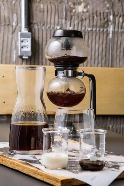 Globinho: café vem com leite e uma dose de xarope de açúcar mascavo