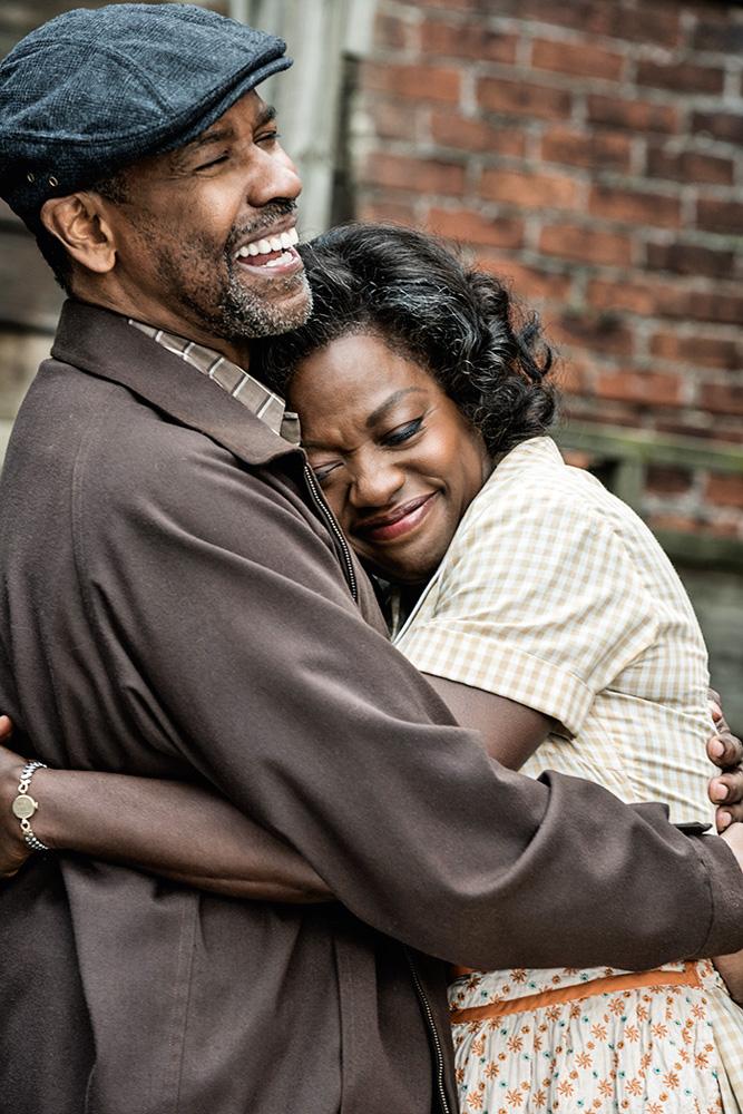 Viola abraçando Denzel