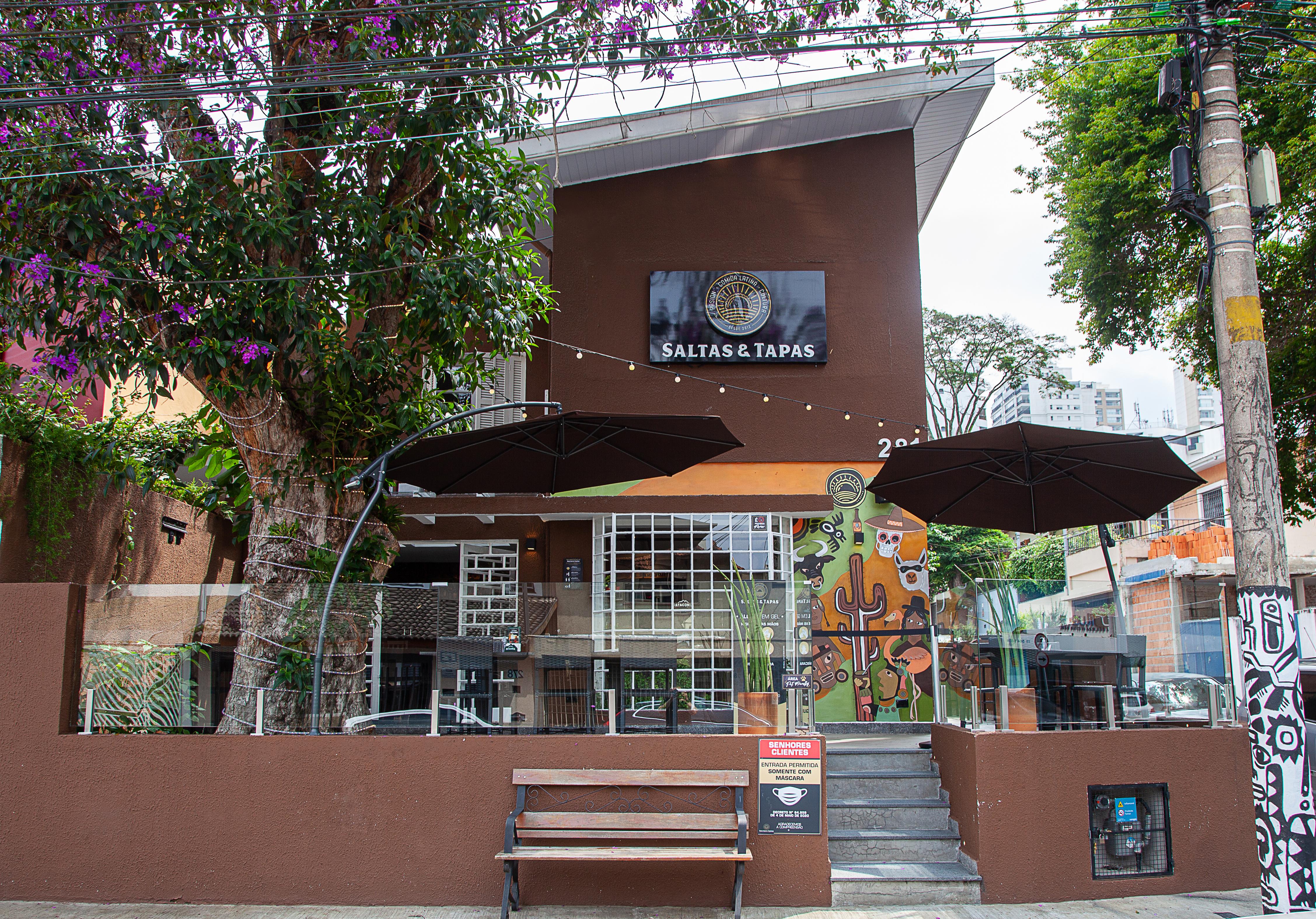 Fachada do bar: instalado em uma antiga residência