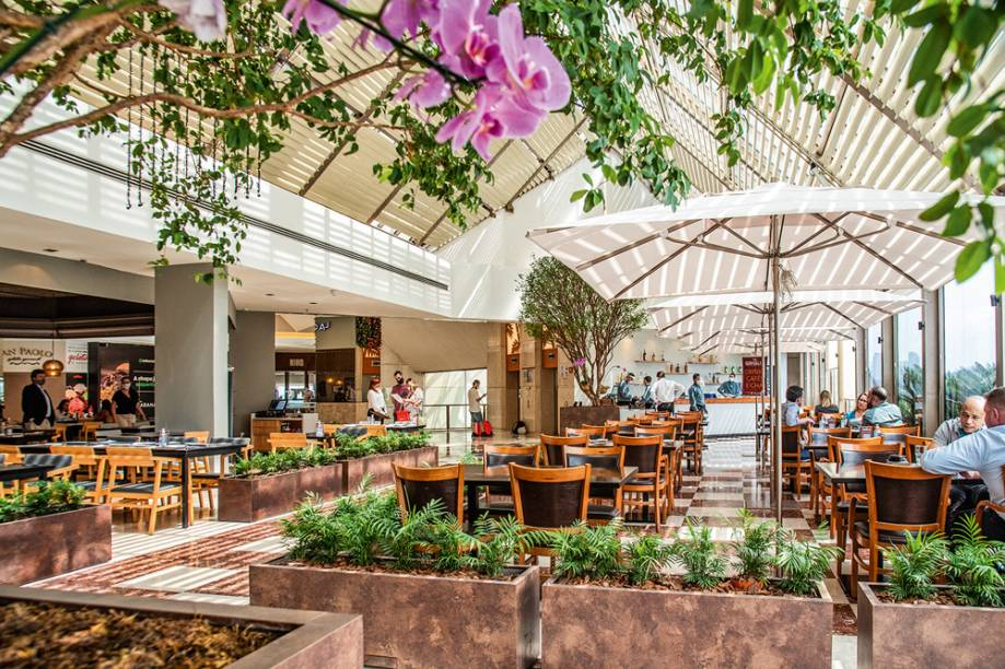 La Griglia: salão na área gourmet do Shopping Eldorado