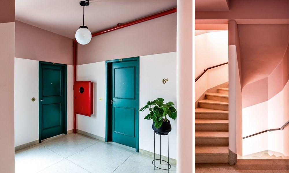 Parte interna de Marieloisa. Escadas e a frente de uma das portas dos apartamentos