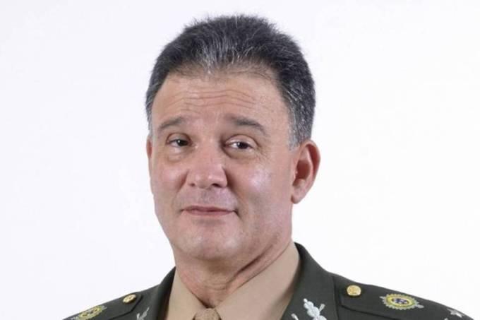 O general Carlos Roberto Pinto de Souza