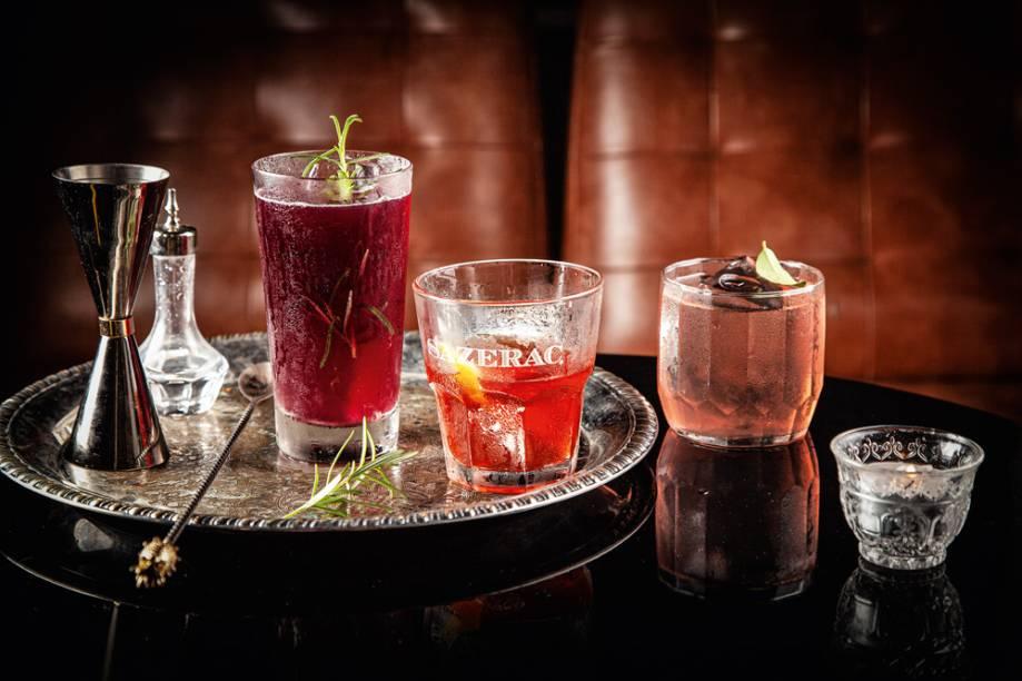 Os drinques hillbilly, sazerac, e limessy: criações e clássicos
