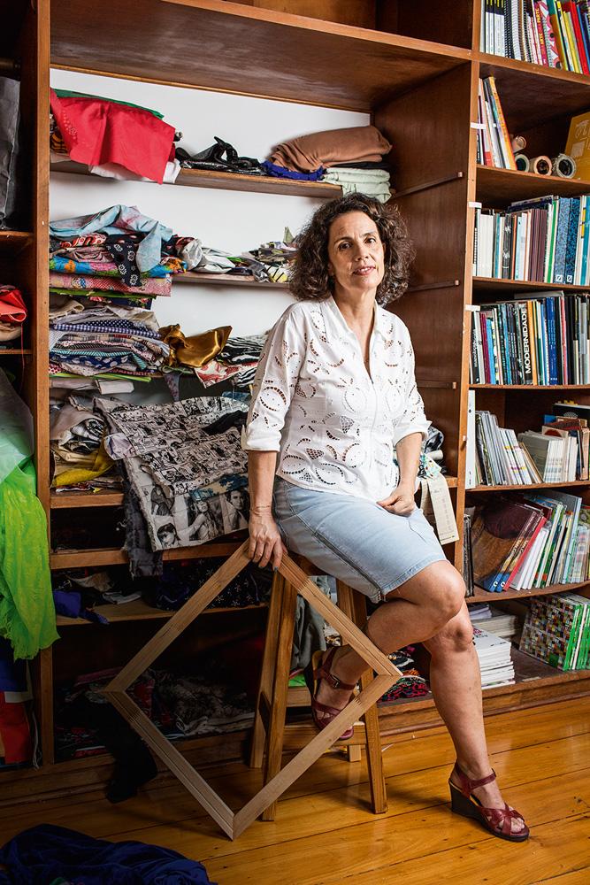 Leda Catunda fala sobre sua nova exposição e cenário da arte contemporânea  | VEJA SÃO PAULO
