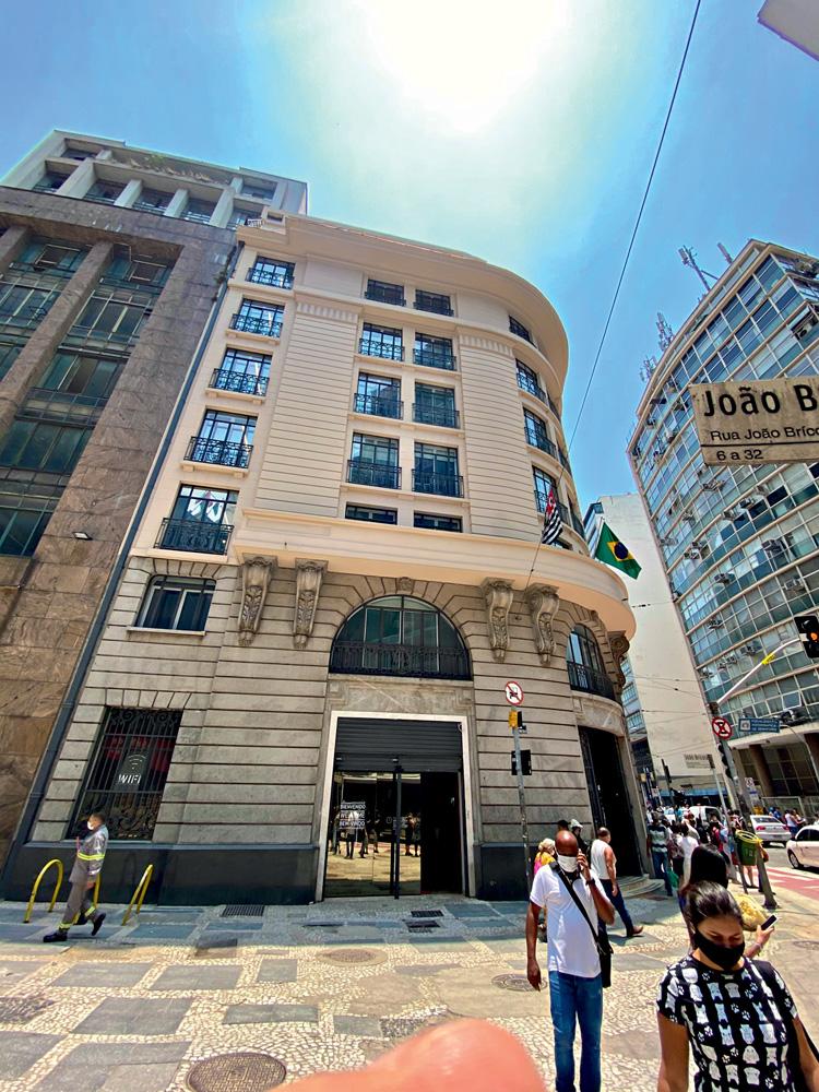 Café, coworking e sede para 300 analistas financeiros no Centro: na mesma quadra do Farol Santander