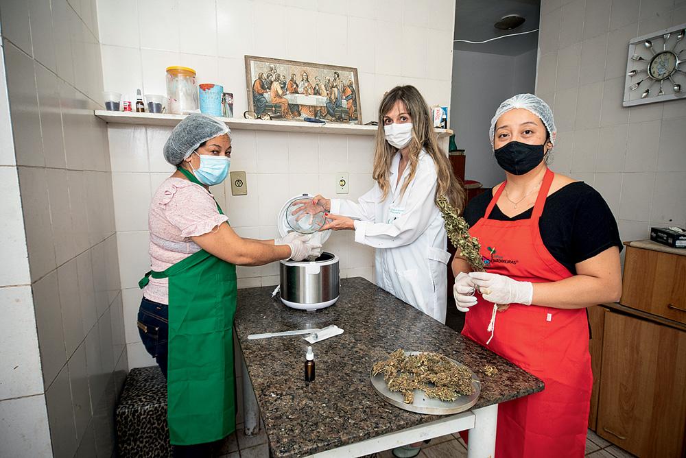Emilia, Fernanda e Eliane