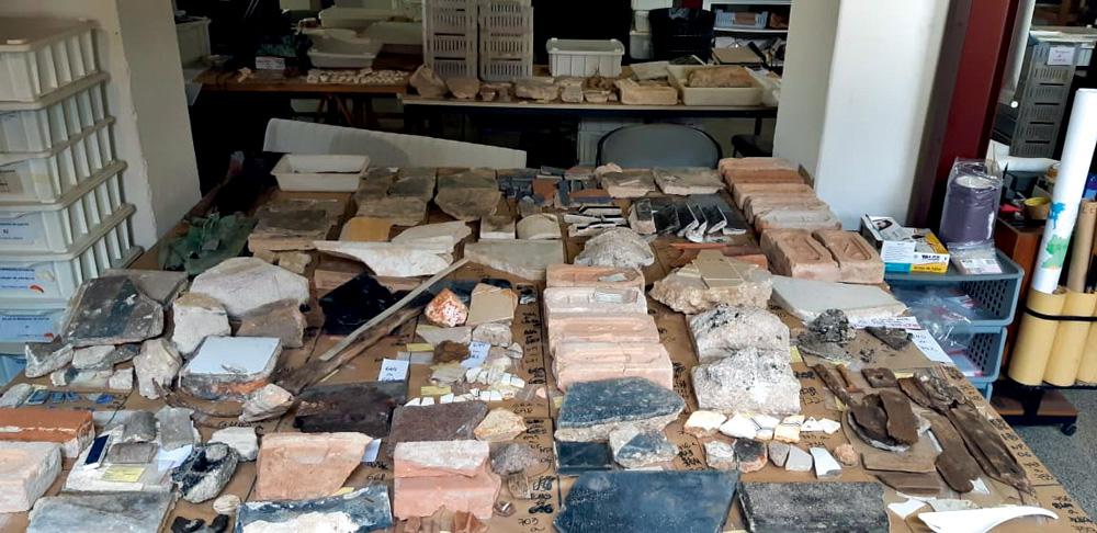 Rochas e outros materiais encontrados por Nishida
