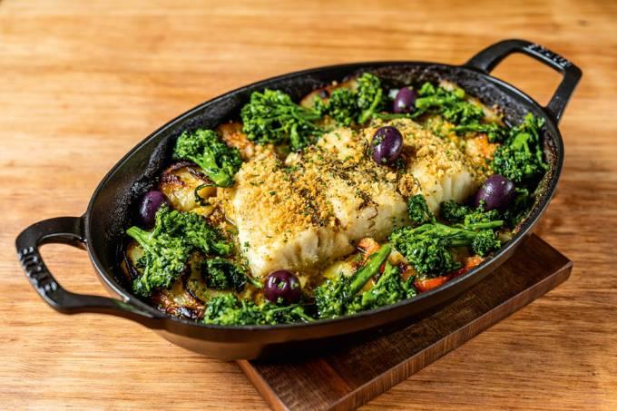 Bacalhau à portuguesa – Tuy Bar, Cocina
