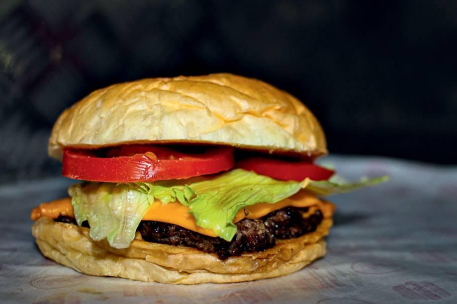 Cheese salada: com dois hambúrgueres smash