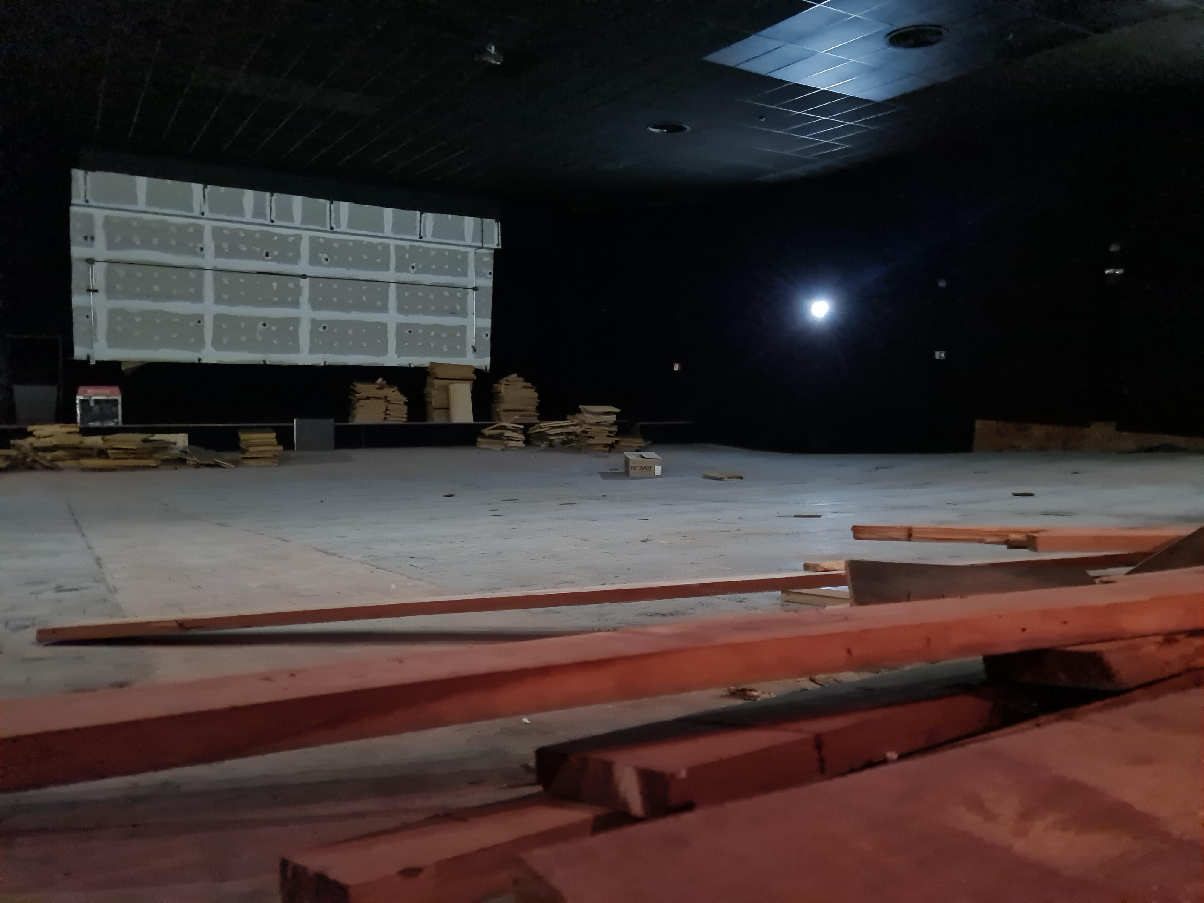 Com meta de 500 000 reais, Cine Marquise aguarda campanha de financiamento coletivo para poder finalizar obras.