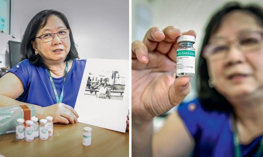 Fan Hui Wen segurando uma foto em que ela visitava o Instituto Butantan, com três anos. Na imagem a direita da montagem, ela segura uma dose na CoronaVac