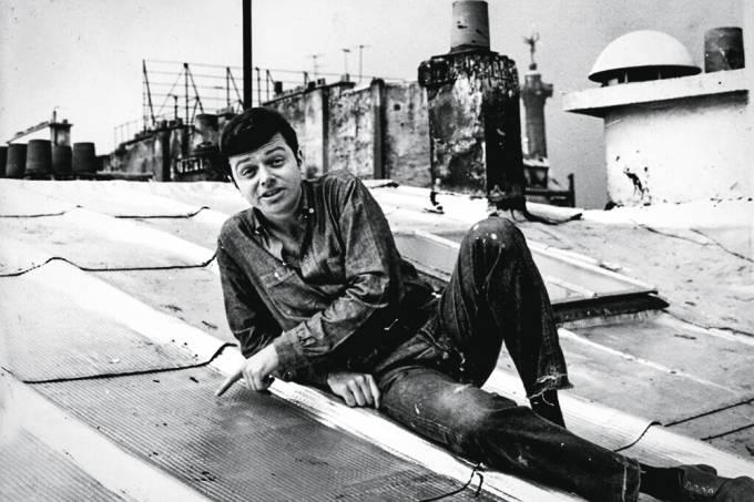 Rossini Perez em Paris, 1965. Acervo pessoal..jpg