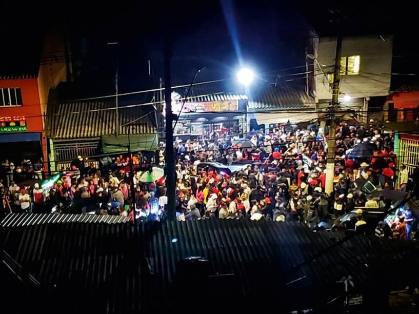 """Pancadão em Cidade Tiradentes: """"Fechar barzinho e comércio é fácil"""", diz postagem no Facebook"""