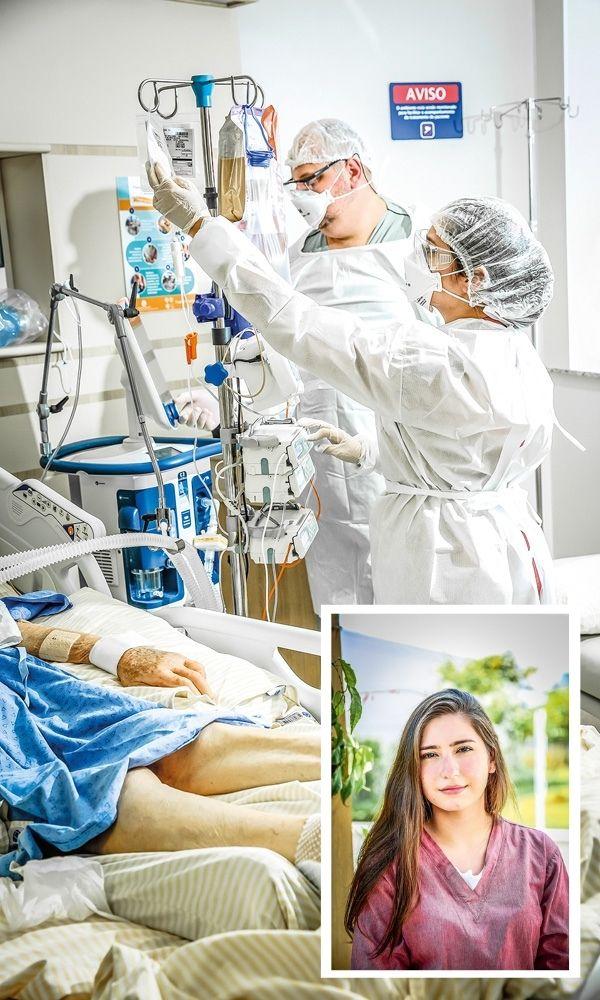 Priscila e Gustavo em quarto de hospital, com o paciente na cama. Há também uma foto 3x4 com o rosto de Priscila