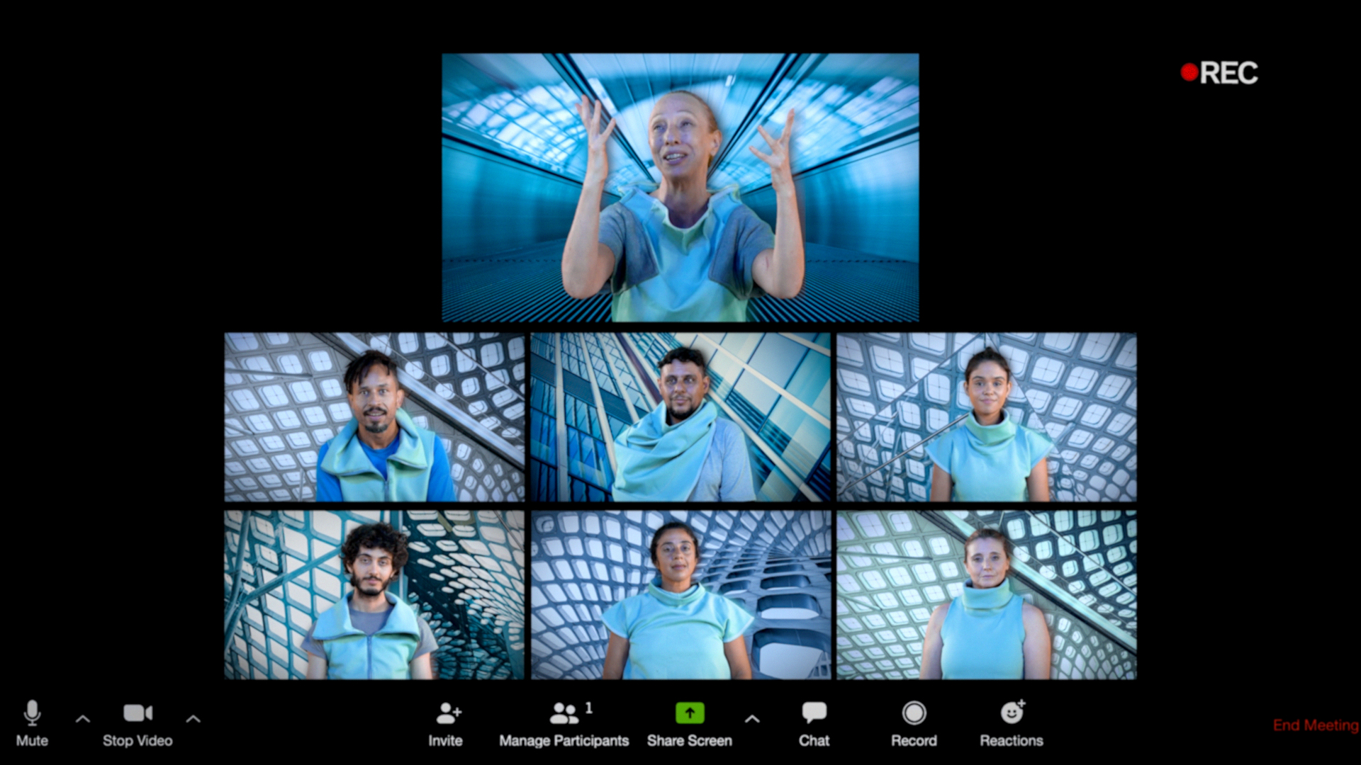 Uma chamada de vídeo no aplicativo Zoom mostra sete jovens debatendo em um cenário futurístico