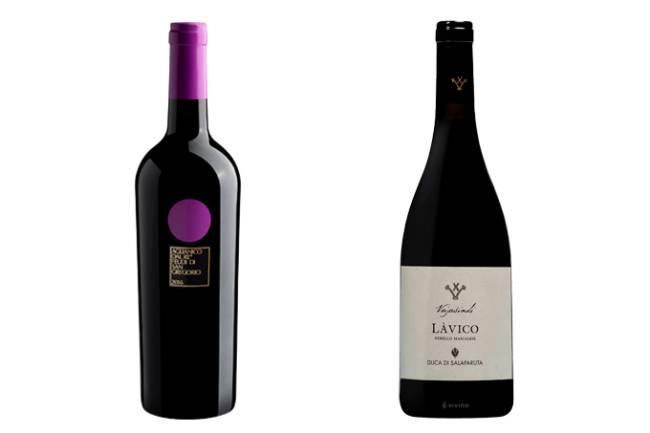 Duas garrafas de vinho em fundo branco, à esquerda o Feudi di San Gregorio Dal Re Aglianico Irpinia DOC (garrafa preta com círculo lilás acima do rótulo e lacre da mesma cor) e à direita o Làvico Duca di Salaparuta (garrafa toda preta com rótulo simples branco)