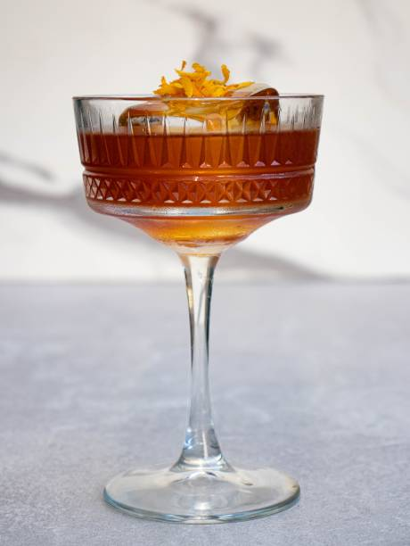 Drinque matriarcado: com conhaque e licor marasquino