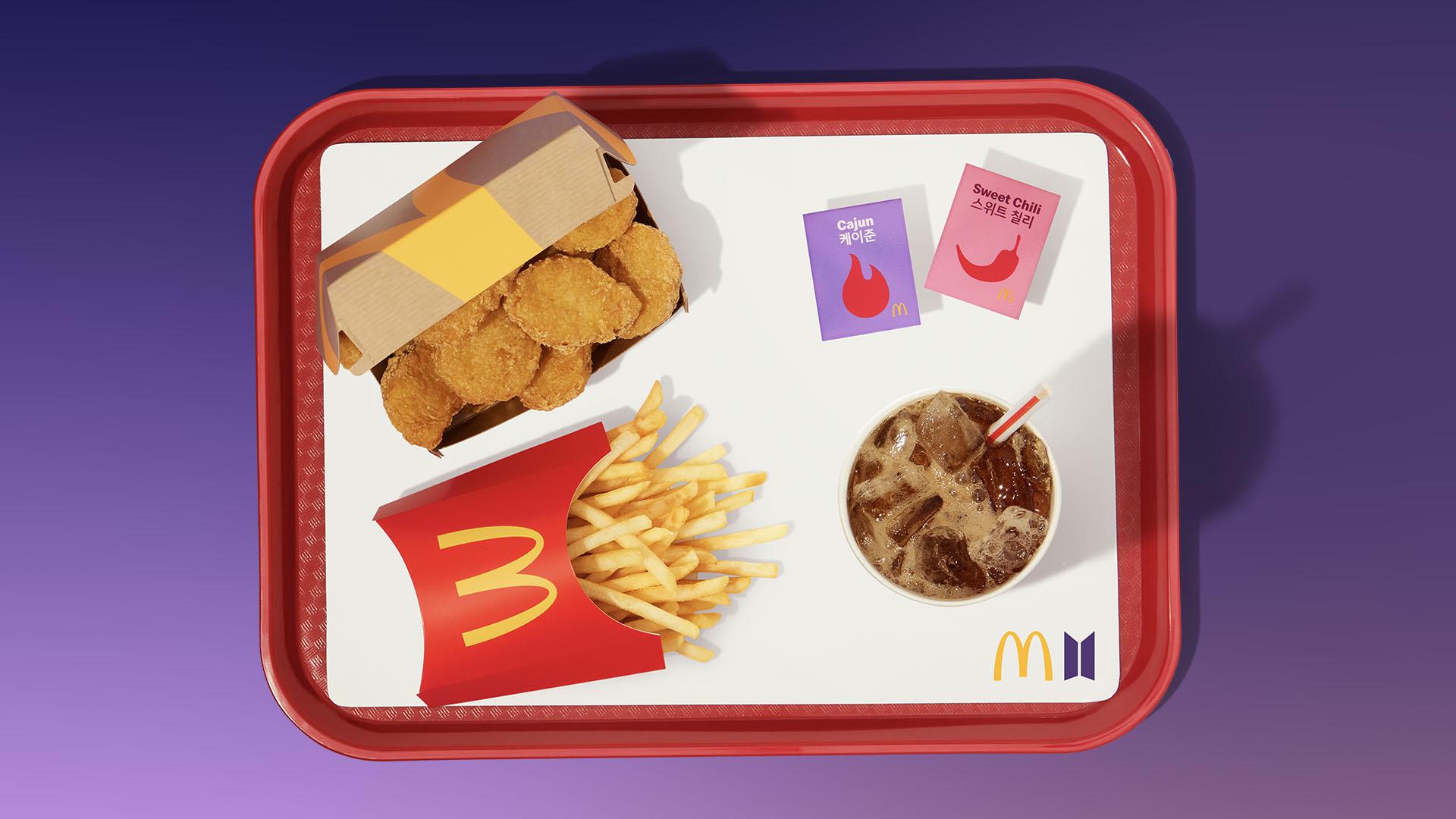 Méquizice do grupo BTS: nuggets, batata média, refrigerante e dois molhos especiais