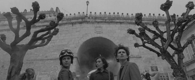 Elenco de A Crônica Francesa, dirigido por Wes Anderson