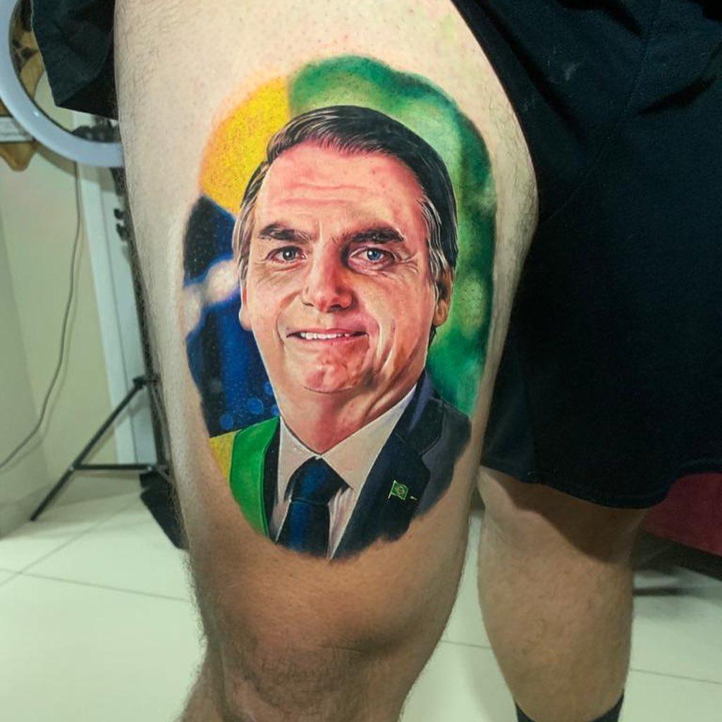 Imagem da tatuagem do rosto de Jair Bolsonaro
