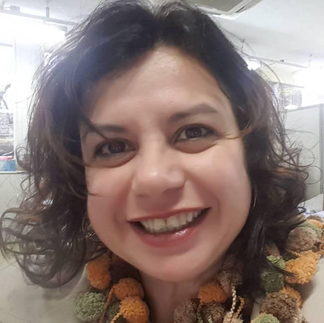 Selfie sorrindo da falecida Helena Manosso.