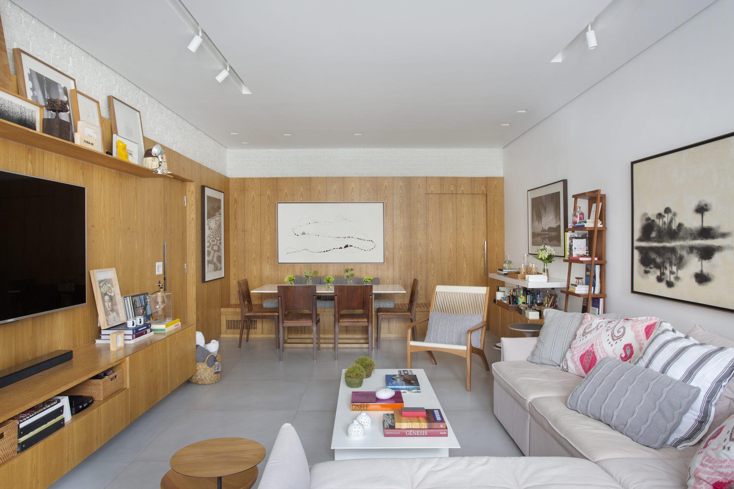 Reforma adiciona três suítes em apartamento antigo