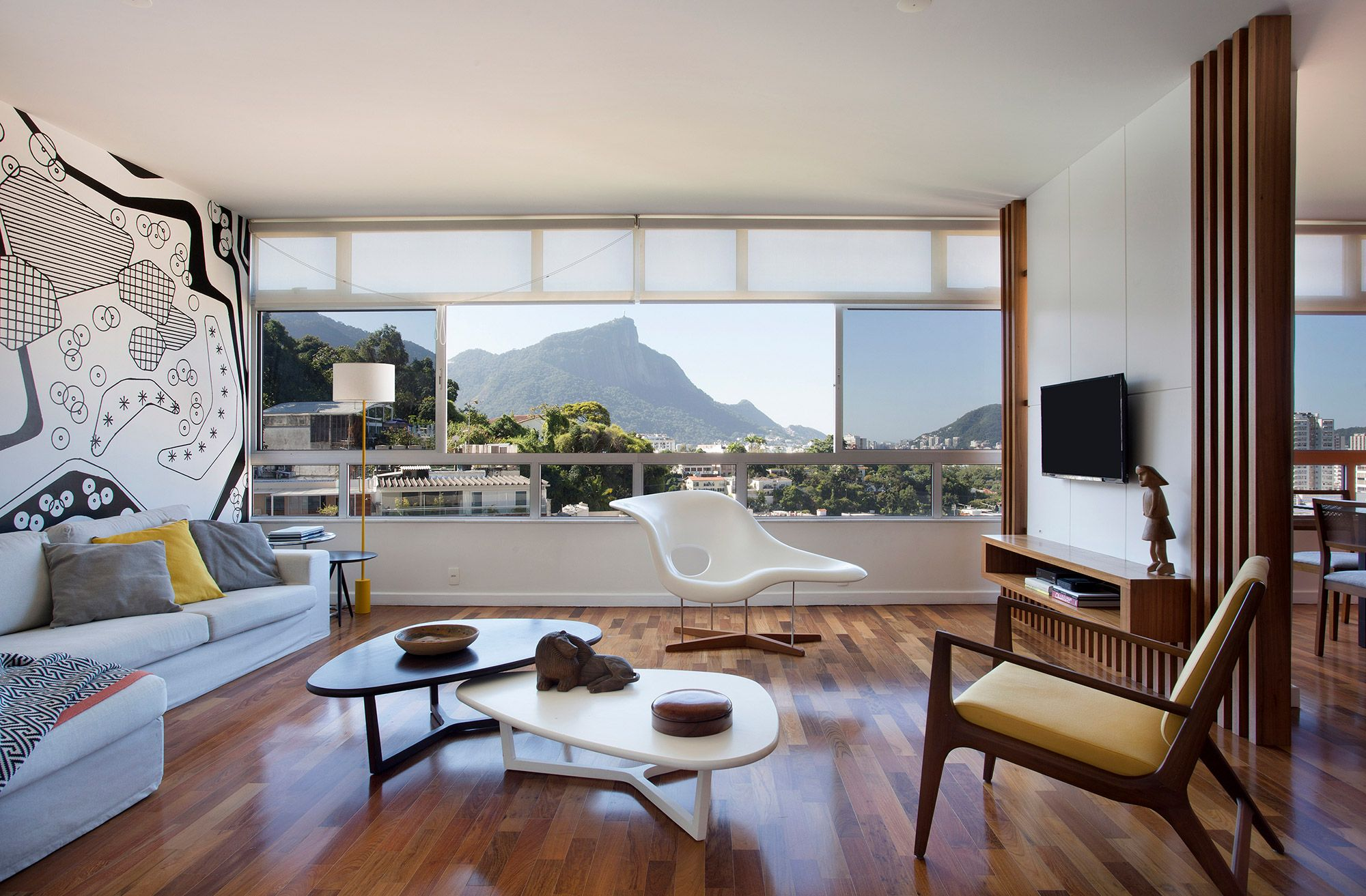 Apartamento no Rio mescla elementos franceses e cariocas no décor