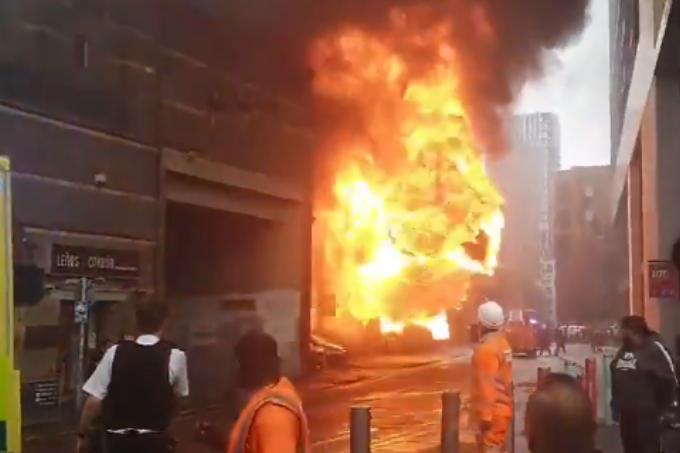 Incêndio em metrô de Londres