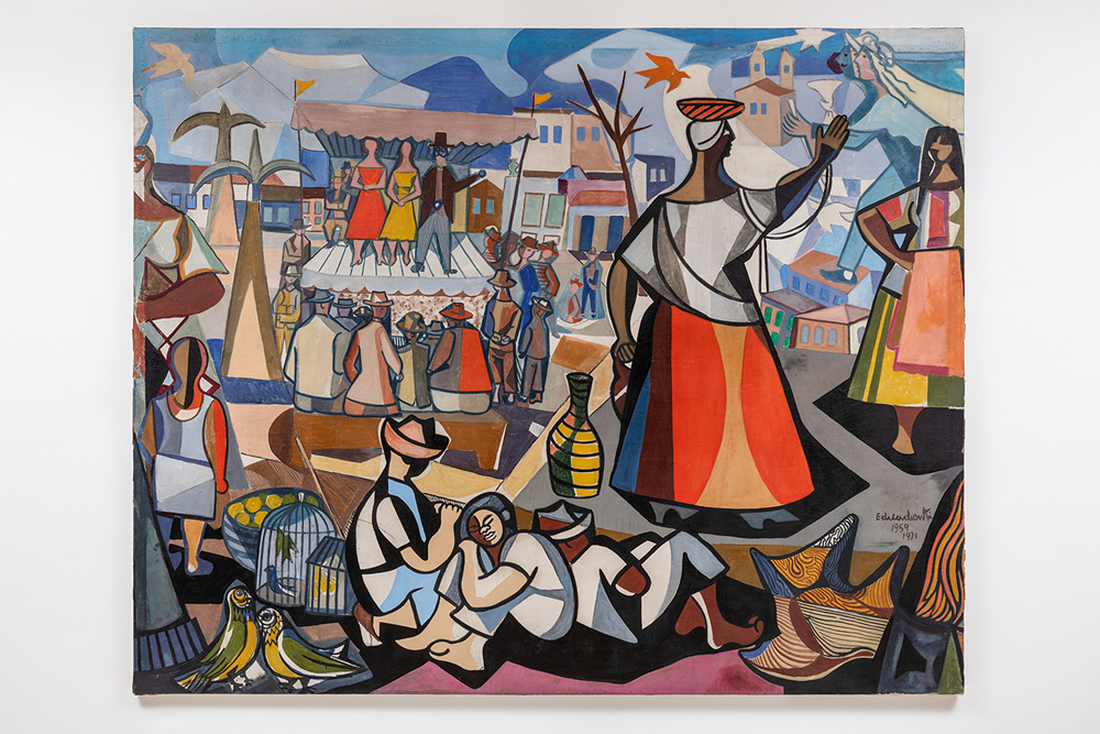 Obra mostra desenhos de pessoas em uma feira. Tem um palco com pessoas dançando, uma mulher com uma tábua na cabeça, pessoas sentadas, de pé, pássaros e, ao fundo, o cenário de uma cidade