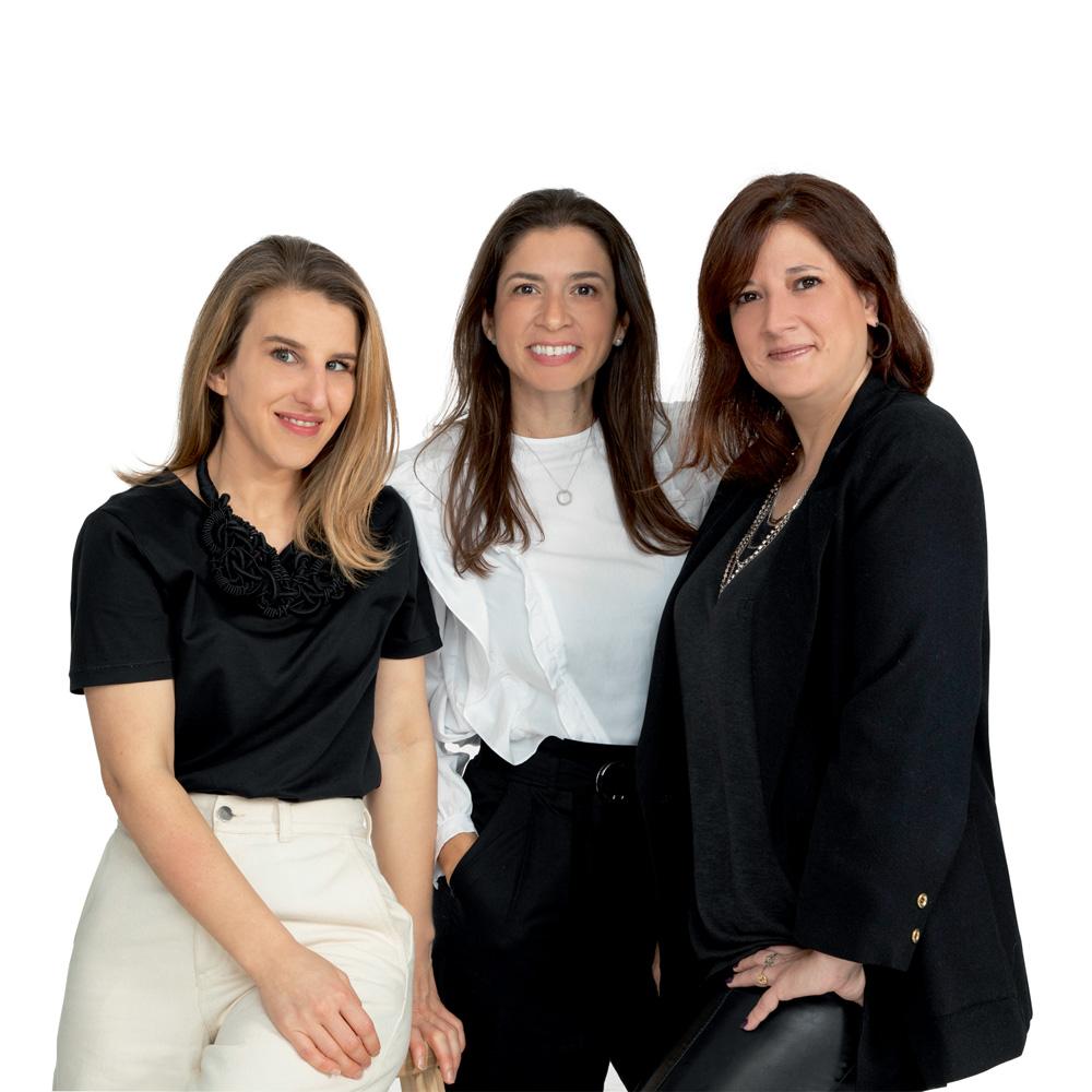 as três fundadoras da scamb posando para foto juntas. isabel garcia está no centro