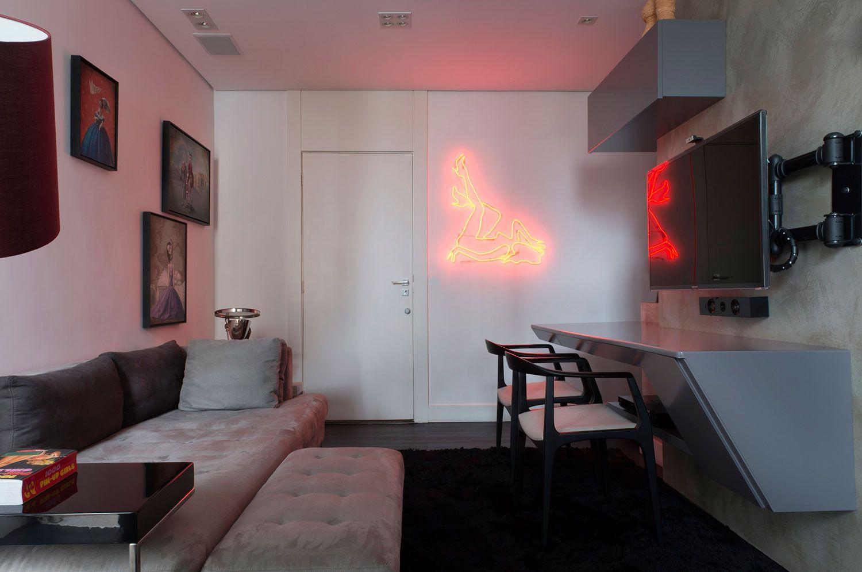 Ricardo Abreu transforma apartamento de 27 m² em loft moderno