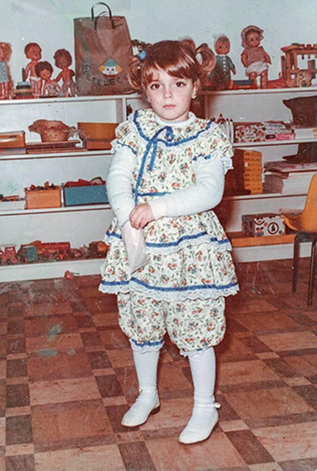 Helena Rizzo com quatro anos trajada para festa junina.