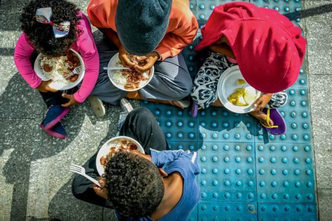 Com a Pandemia cresce o número de famílias morando na rua em São Paulo