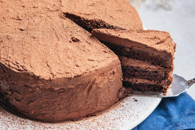 Helô Bacellar – devil's cake