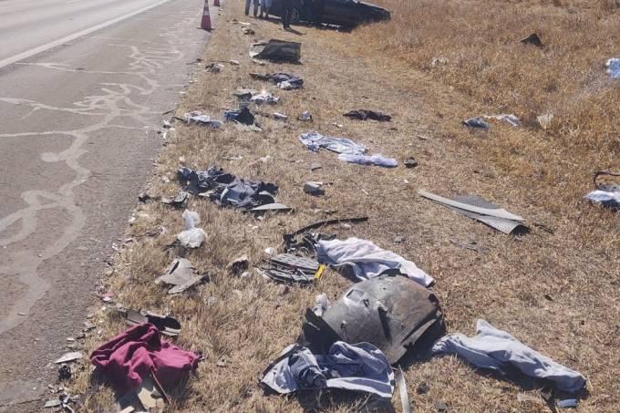Acidente na Rodovia Washington Luis deixa três mortos e cinco feridos